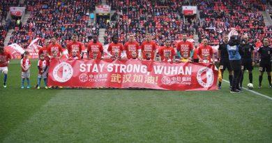 Les joueurs du Slavia en soutien de la ville de Wuhan en février dernier